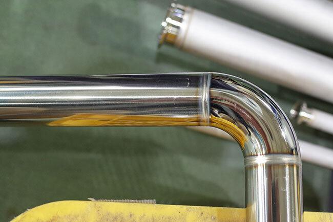 サニタリー配管には高い溶接技術で管の内部にも溝がなく、高い衛生性が保たれている