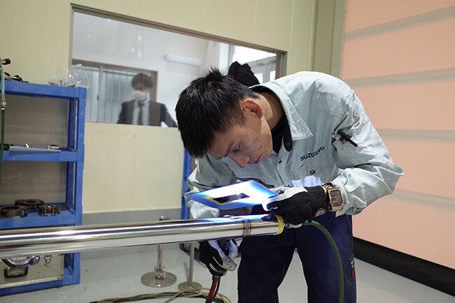 溶接技術を学ぶベトナムからの技能実習生