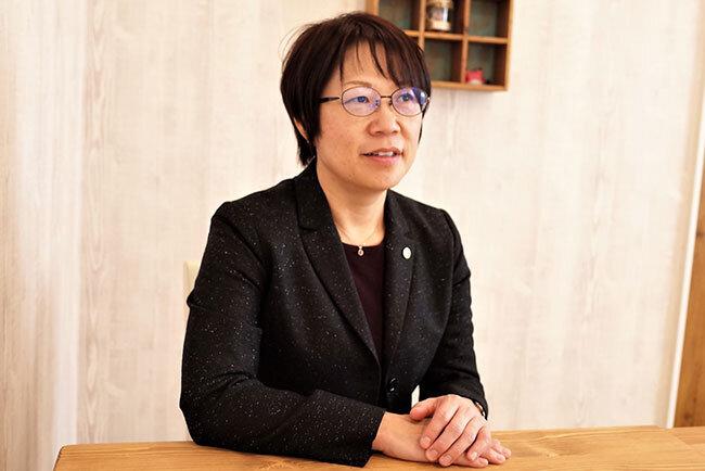 「孫の手」を経営する浦野幸子社長。自宅の一室からスタートした