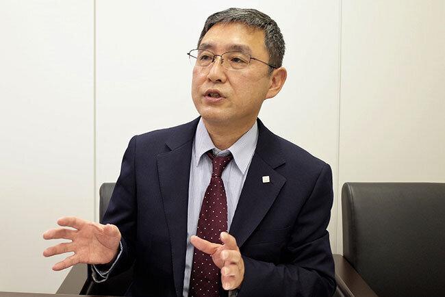 テレビ会議システムを導入した狙いについて語る東洋エステートサービスの佐藤雄司常務